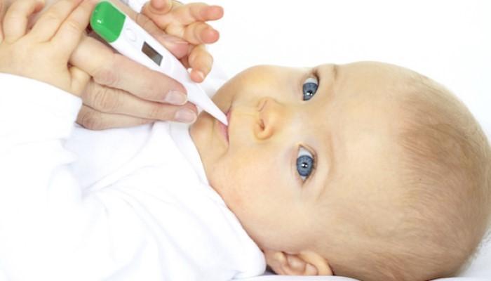 Conseils pour faire baisser la fièvre de bébé